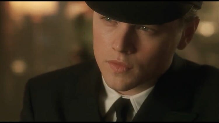 Catch Me If You Can Movie Screencaps