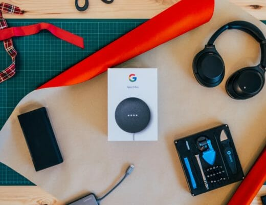 15 Best Tech Gifts For Tech Lovers This Holiday Season