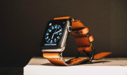 6 Best Third-Party Leather Bands For The Apple Watch