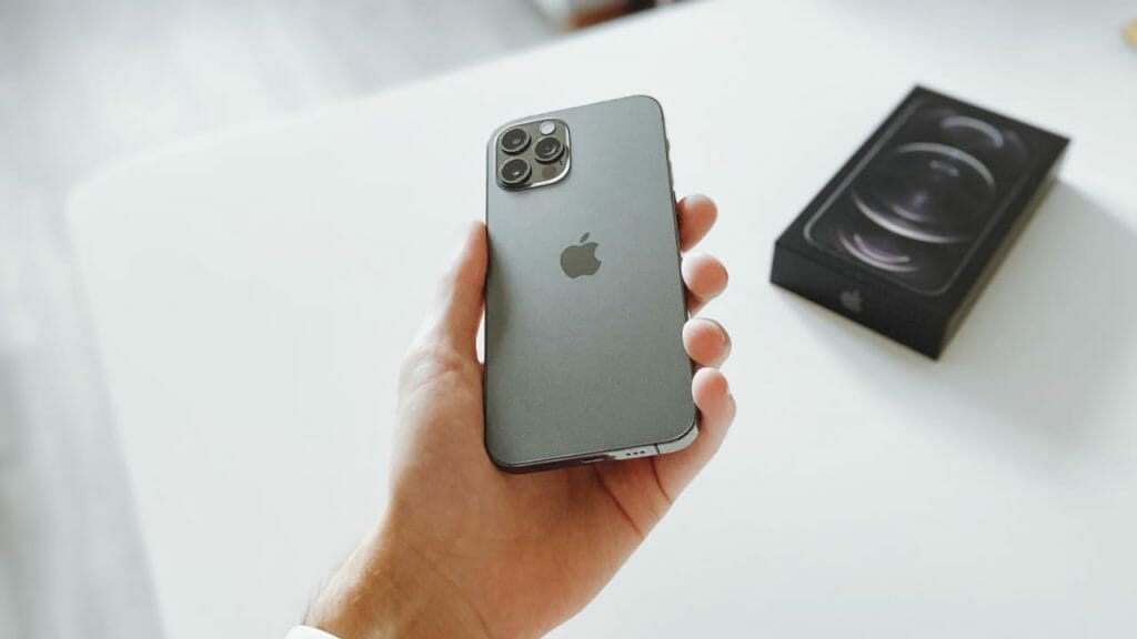 Best Leather Cases For iPhone 12 Pro