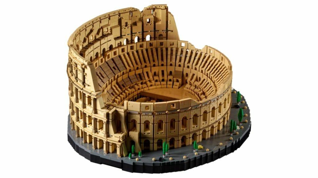 LEGO Colosseum Set With 9000 Pieces